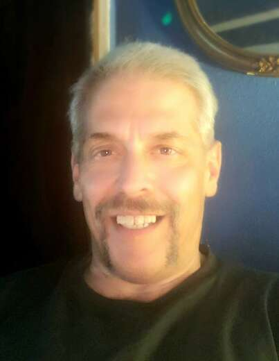 Chill guy, artist, writer cleans up nicely - Bi Male Escort in Long Beach - Main Photo