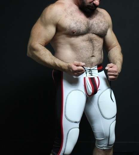 BEEFY, MUSCULAR, HAIRY, COMPASSIONATE - Gay Male Escort in Nashville - Main Photo