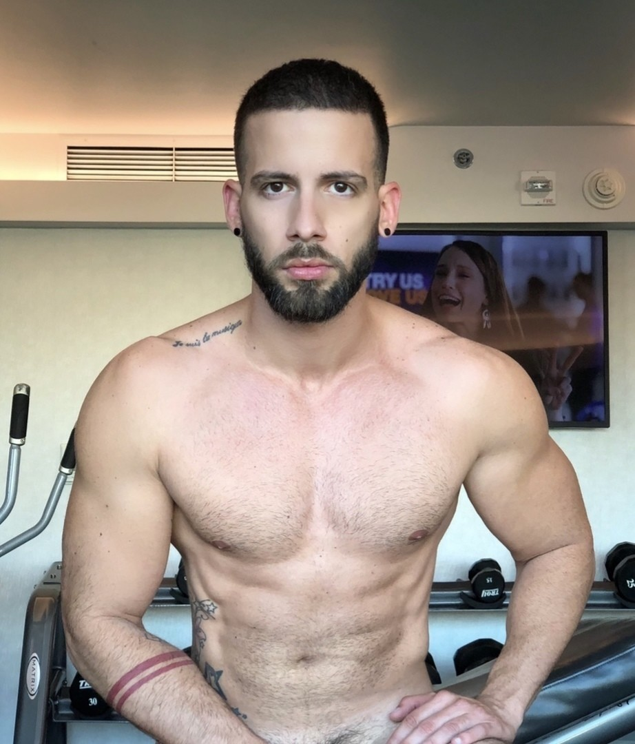 Sexy Outgoing Fun Guy4U | Gay Male Escort in Tampa | MintBoys